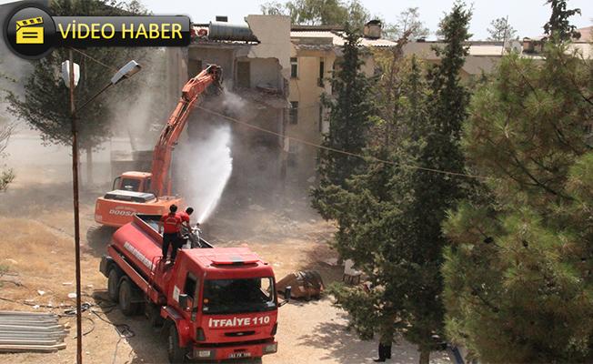 300 konutlarda yıkım başladı