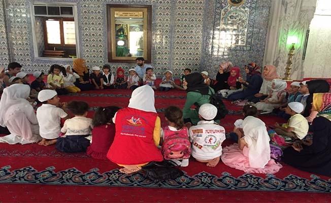 Camiler Çocuk Sesleriyle Şenleniyor