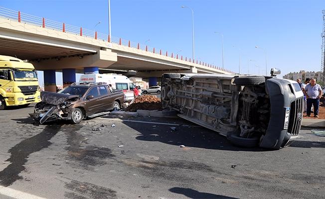 Haliliye'de Pikapla Minibüs Çarpıştı: 9 Yaralı