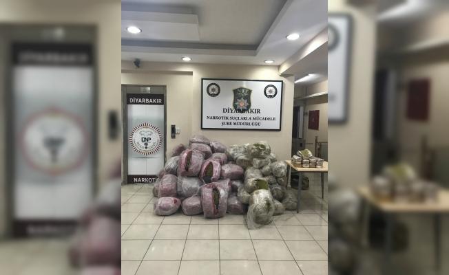 Diyarbakır'da 637 kilogram esrar ele geçirildi