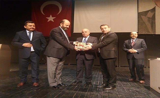 Müftü Açık, Virnşehir'de konferans verdi