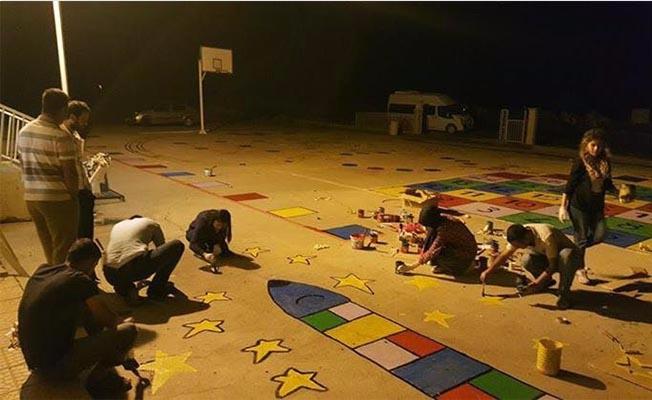 Öğretmenlerden öğrencilere oyun alanı sürprizi