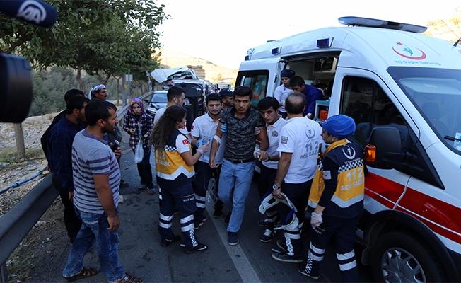 Şanlıurfa'da Trafik Kazası: 11 Yaralı