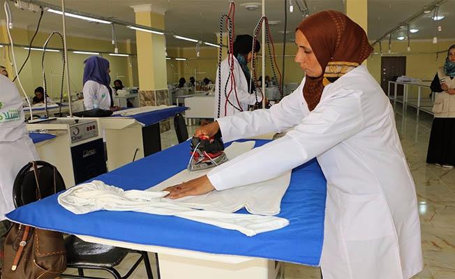 Türk ve Suriyeli kadınlar ihtiyaç sahipleri için üretiyor