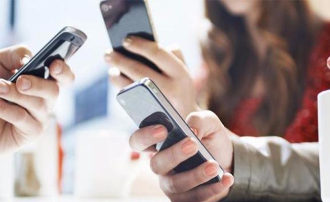Akıllı telefonları uyurken bile yanımızdan ayırmıyoruz