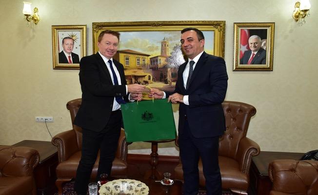 Avustralya Büyükelçisi Brown Şanlıurfa Valiliği'ni ziyaret etti