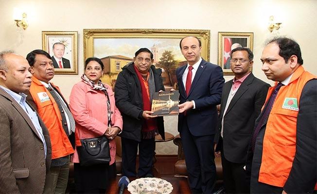 Bangladeşli Bakan ve heyeti Vali Erin'i ziyaret etti