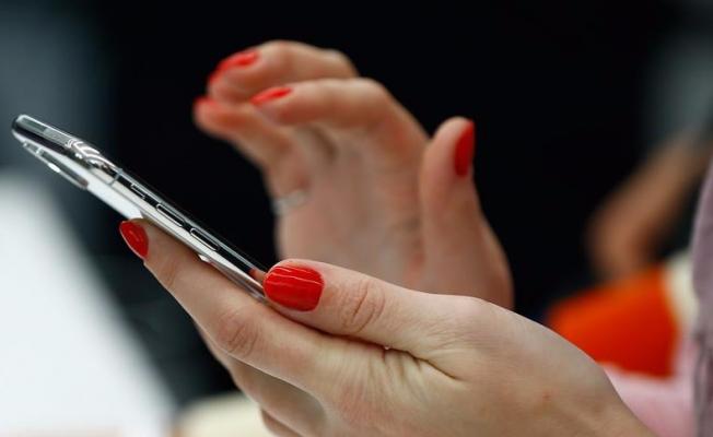 'İnternet bağımlılığı ilişkileri, evlilikleri, iş hayatını bozabiliyor'