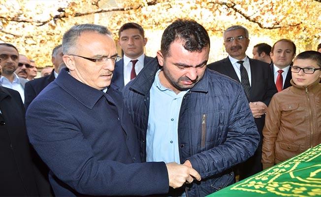 Maliye Bakanı Ağbal'ın acı günü