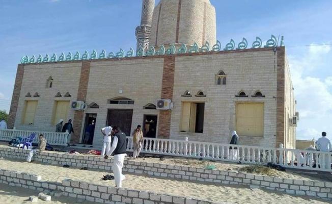 Mısır'da cami yakınında patlama: 235 kişi öldü
