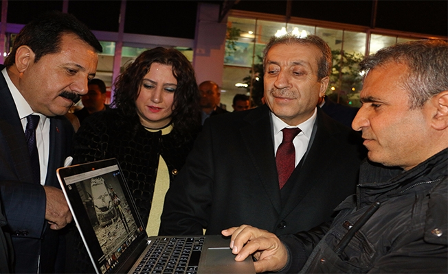 Eker yılın fotoğrafları oylamasına Urfa'da katıldı