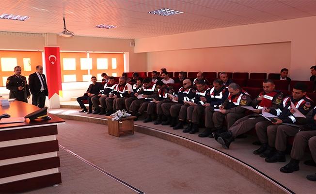 Jandarma'ya ''İyi Dersler Şöför Amca'' semineri