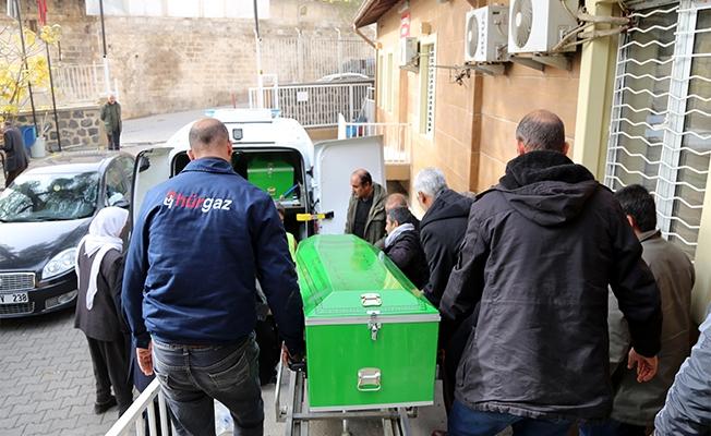 Viranşehir-Ceylanpınar yolunda otomobil devrildi: 1 ölü, 2 yaralı