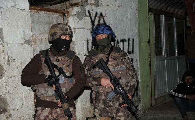 Adana'da gasp ve uyuşturucu operasyonu