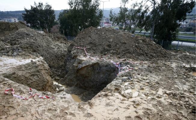 Su dolu çukura düşen iki çocuk öldü