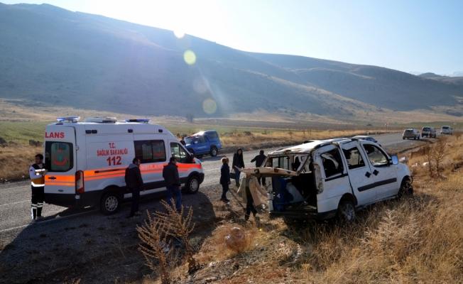 Kahramanmaraş'ta hafif ticari araç devrildi: 1 ölü, 3 yaralı