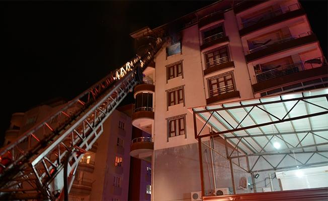 Siverek'te apartman dairesinde yangın