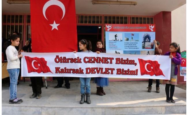 Akçakale'de öğrencilerden Zeytin Dalı Harekatı'na destek