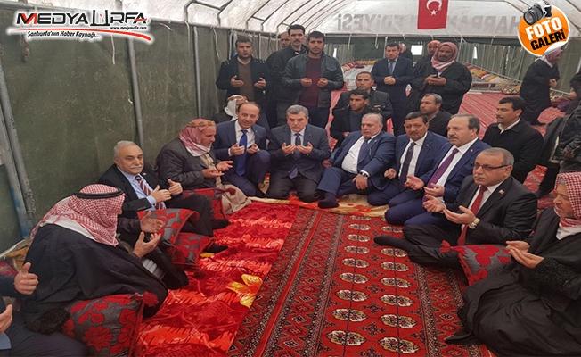 Bakan Fakıbaba Harran'da şehit ailesini ziyaret etti