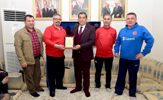 Başkan Atilla Milli Takımı evinde ağırladı