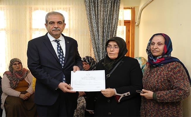 Okuma-yazma öğrenen kadınlara sertifika verildi