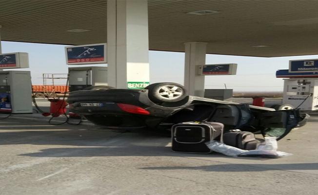 Urfa-Mardin yolunda otomobil devrildi: 2 yaralı