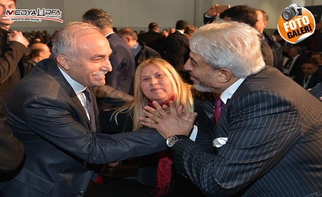 Urfalı iş adamı İzmir'de Fakıbaba'ya eşlik etti
