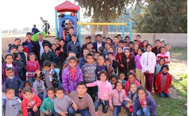 Başkan Özyavuz, çocukları sevindirdi