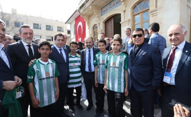 Bursa Valisi Küçük'ten Zeytin Dalı'na destek