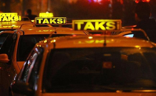Bakırköy'de takside bir kişi hayatını kaybetti