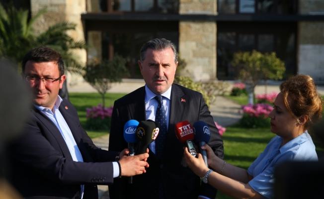 Bakan Bak'tan TFF'nin derbi kararına ilişkin açıklama