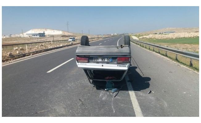 Mardin yolunda Otomobil devrildi: 3 yaralı