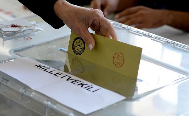 Türkiye genelinde istifa eden kamu görevlileri
