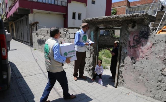 İhtiyaç sahibi vatandaşlara gıda yardımı
