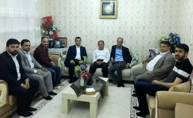 AK Parti'den şehit ailelerine ziyaret