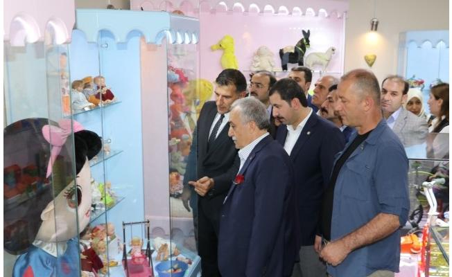 Fakıbaba çocuklarla birlikte oyuncak müzesini açtı