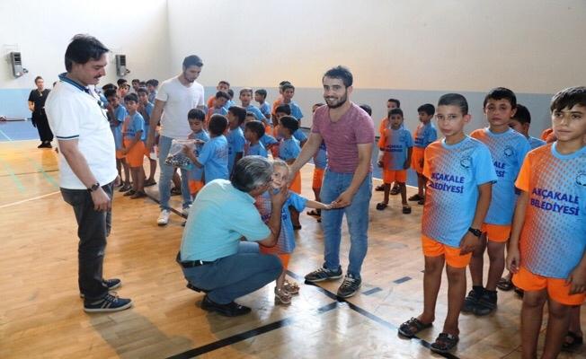 Akçakale yaz spor okulları törenle açıldı