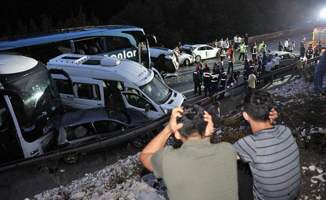 Bayram tatilinin ilk gününde trafik kazaları 19 can aldı