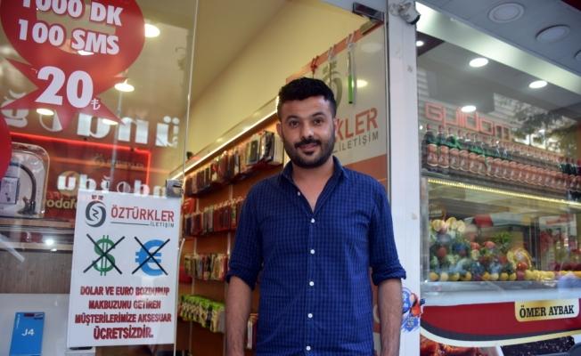Malatyalı esnaftan Türk lirasına destek