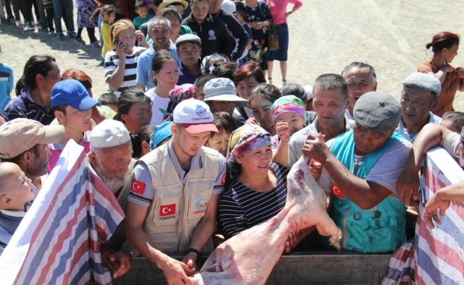 """Moğolistan'da bin aileye """"Cansuyu"""""""
