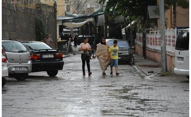 Viranşehir'de yaz yağmuru