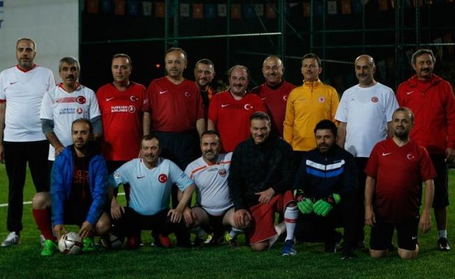 Bakanlar ve AK Partili milletvekilleri halı saha maçı yaptı