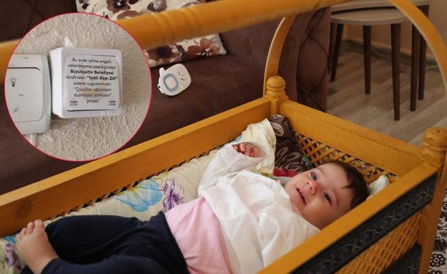 İşitme Engelli Çiftler, Bebeklerinin Ağladığını Algılayabilecek