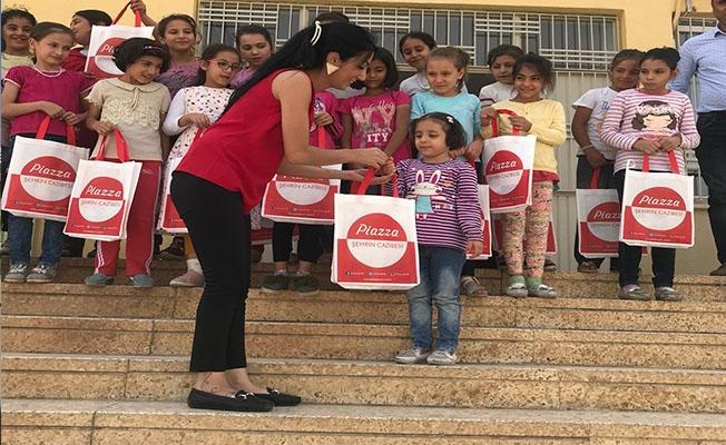 Şanlıurfa Piazza'dan Kız Öğrencilere Hediye