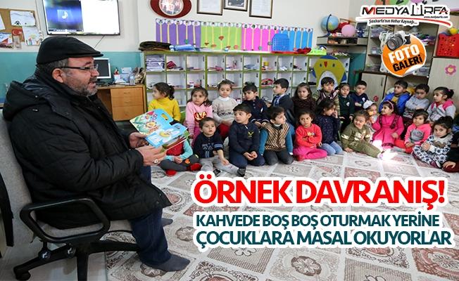 Urfa'da nineler ve dedeler okulda masal anlatıyor