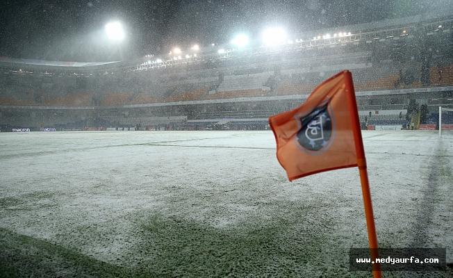 Başakşehir-Bursaspor maçına kar engeli!