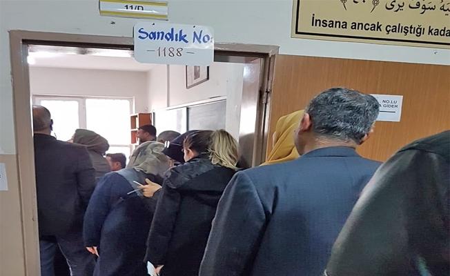 Urfa'da seçime yoğun katılım