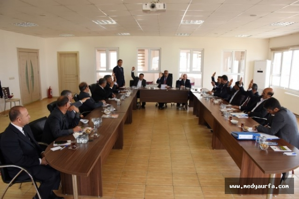 Hilvan'da yeni dönemin ilk meclis toplantısı