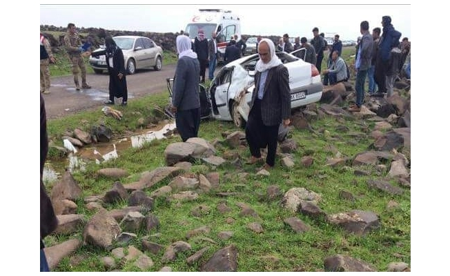 Viranşehir'de otomobil takla attı: 1 ölü, 2 yaralı