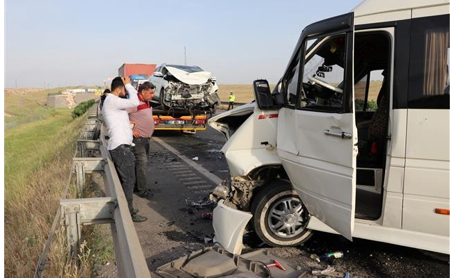 Antep-Urfa yolunda kaza: 11 yaralı